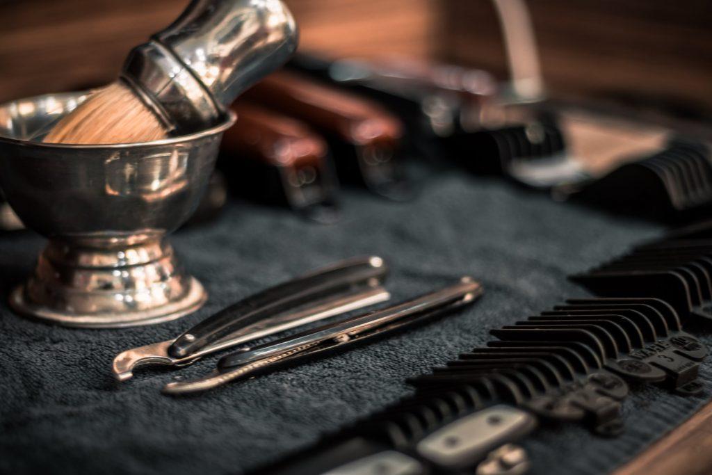 En vue d'une routine zéro déchet, optez pour le rasage traditionnel.