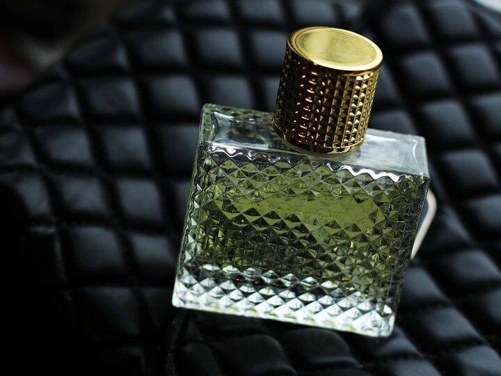 Guide définitif du parfum : pour être incollable en la matière